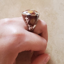 Load image into Gallery viewer, Brown Murano Teardrop Ring