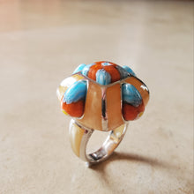 Load image into Gallery viewer, Rounded Square Murano Ring