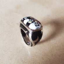 Load image into Gallery viewer, Black and White Square Murano Ring