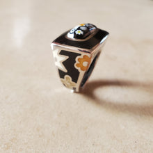 Load image into Gallery viewer, Black and White Rectangular Murano Ring