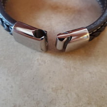 Load image into Gallery viewer, Men's Braided Vegan Leather Bracelet