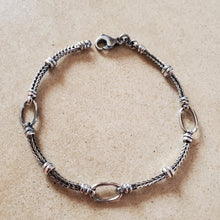 Load image into Gallery viewer, Oxidized Oval Loop Bracelet