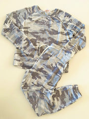 lightweight camo sweatshirt