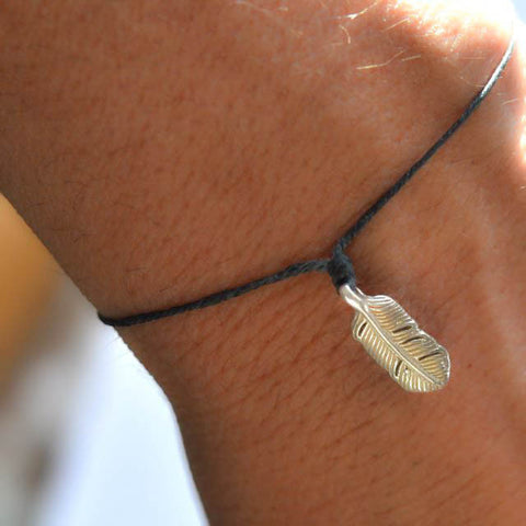 Cutest-Feather-bracelet