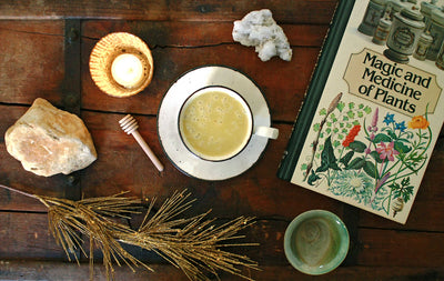 HOW TO MAKE GOLDEN TONIC AKA TURMERIC LATTE