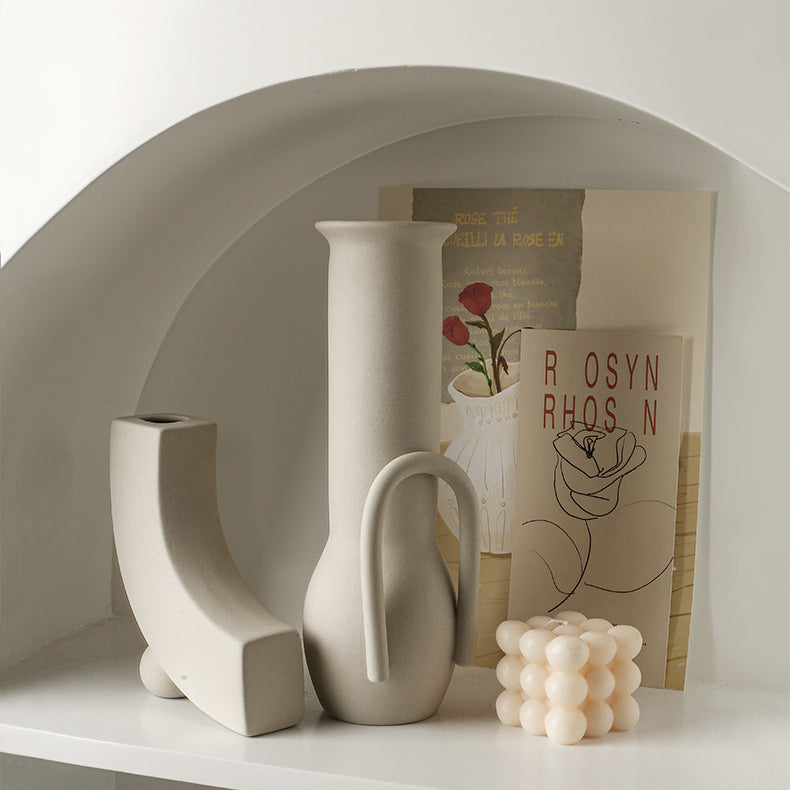 Pipe-curved vase | CERAMIC VASE