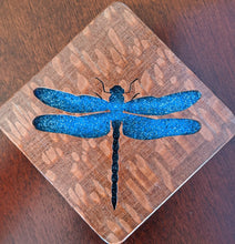 Load image into Gallery viewer, Dragonfly Hand Cut Wooden Deskoration
