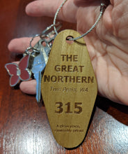 Load image into Gallery viewer, Twin Peaks - Great Northern Hotel Key Fob