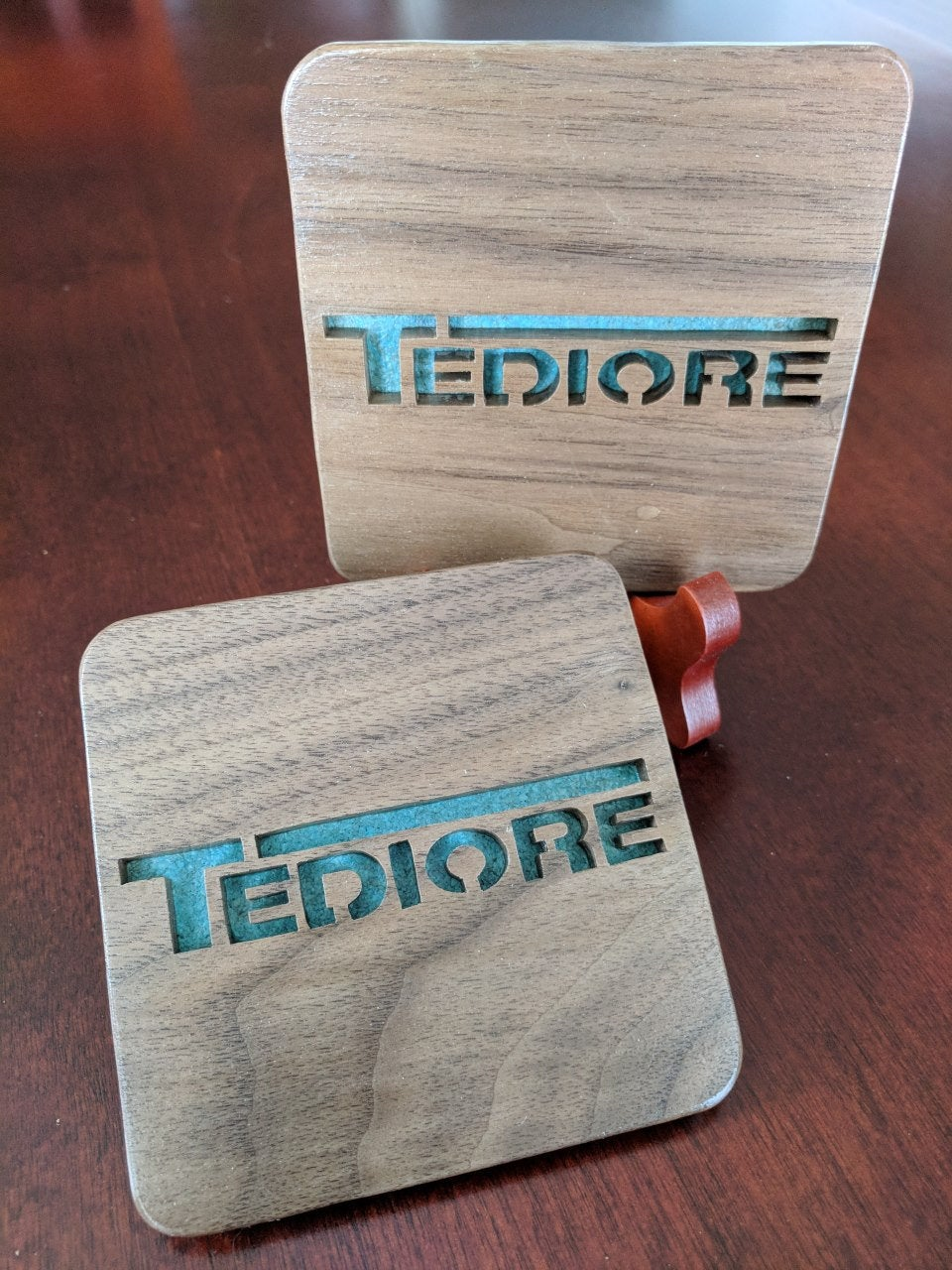Borderlands Gun Manufacturers: Tediore! Hand Cut Wooden Deskoration