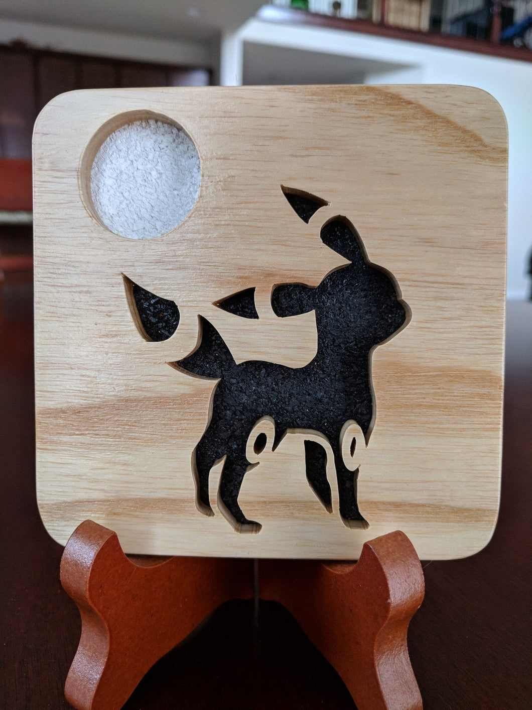 Pokemon: Umbreon! Hand Cut Wooden Deskoration