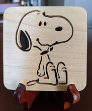 Load image into Gallery viewer, Snoopy! Hand Cut Wooden Deskoration