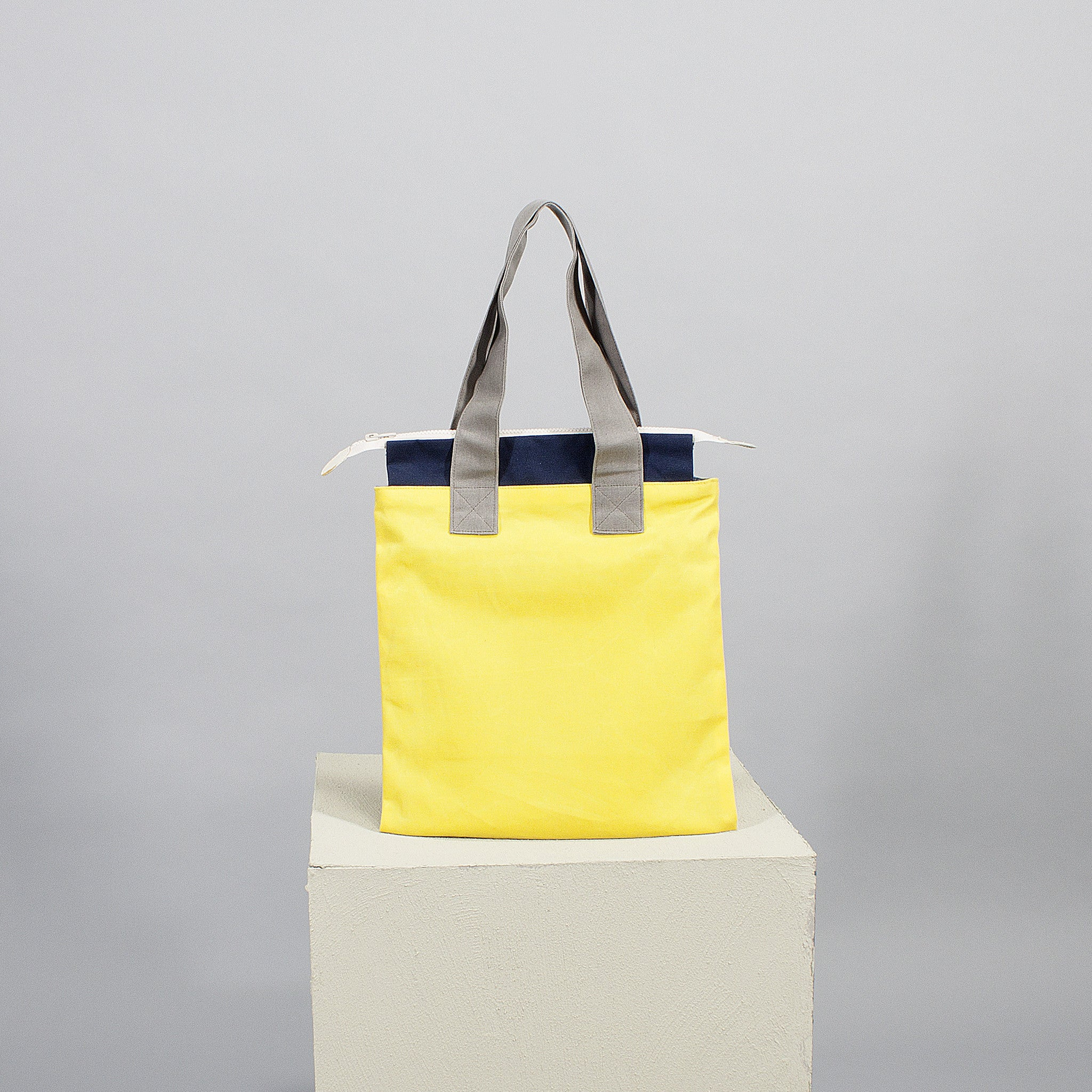 'Cut out' flat tote - yellow