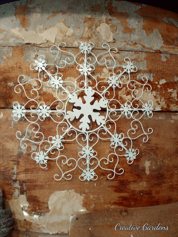Hanging Metal Snowflakes with Glitter