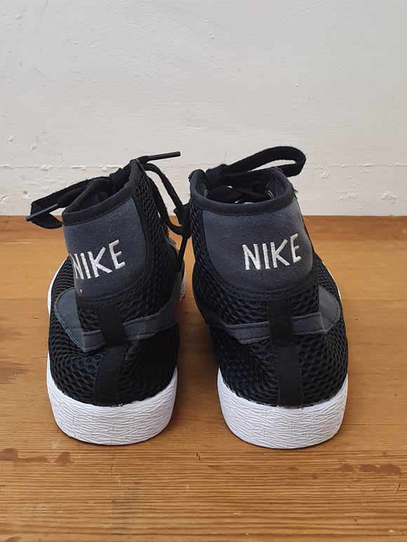 Mesh High Top Trainer - Nike