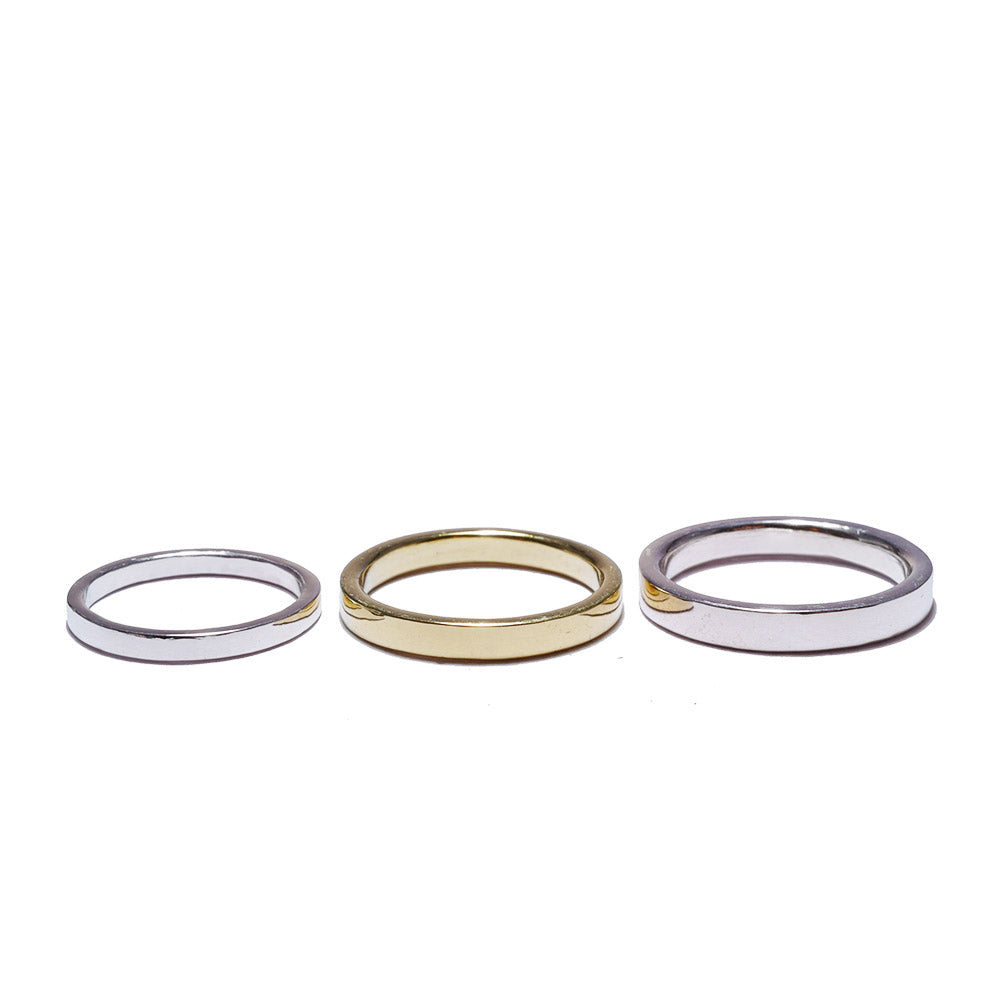 flat silver<br>volume-pair ring