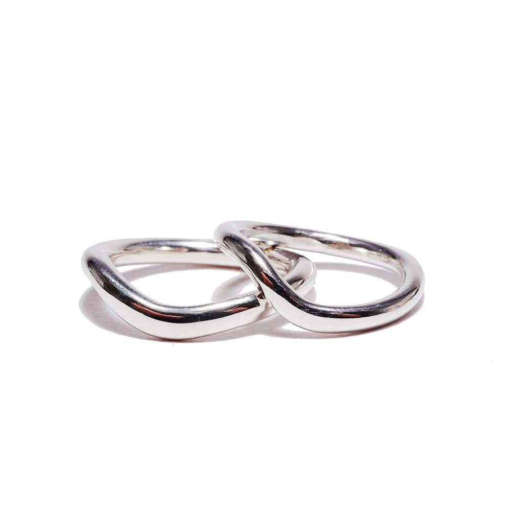 curve silver<br>volume-pair ring