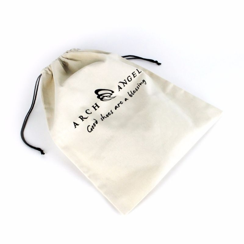 The Arch Angel Recyclable Drawstring Shoe Bag is an ideal bag for transporting footwear and other small necessities. Protects footwear and personal belongings