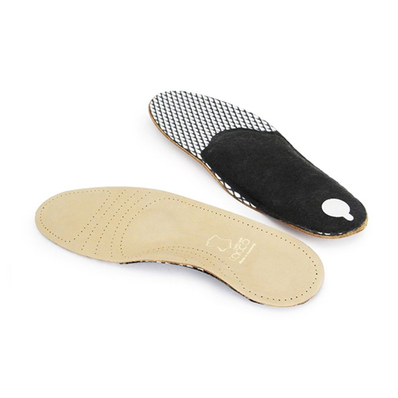 •  ErgoDyn insole with RelaxFlex function •  Additional arch pad for metartarsal support •  Relaxes muscles, tendons and ligaments •  Prevents fatigue •  Made of ecologically refined sheepskin