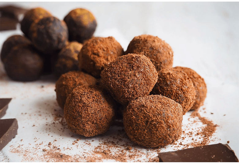 Chocolate Maca Energy Balls