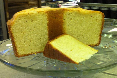 Old-Fashioned Vanilla Pound Cake
