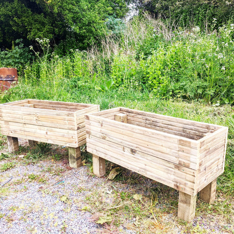 Large Rustic Planter on Legs
