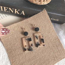 Load image into Gallery viewer, Black Sugar Milk Tea Vintage Style Stud Earrings