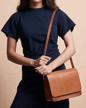 Laden Sie das Bild in den Galerie-Viewer, O my bag - AUDREY Bag - cognac oder black