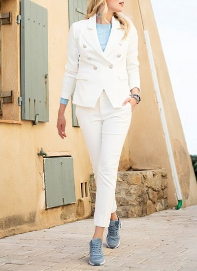 Esqualo White Crop Button Blazer