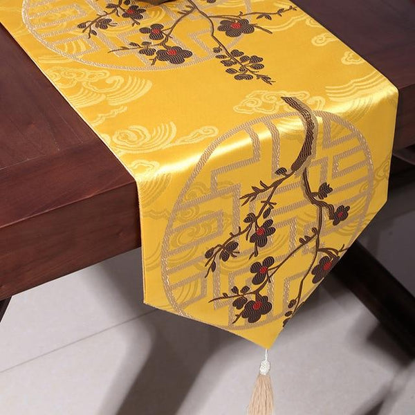 Chinese Wedding Table Runner Decoration.