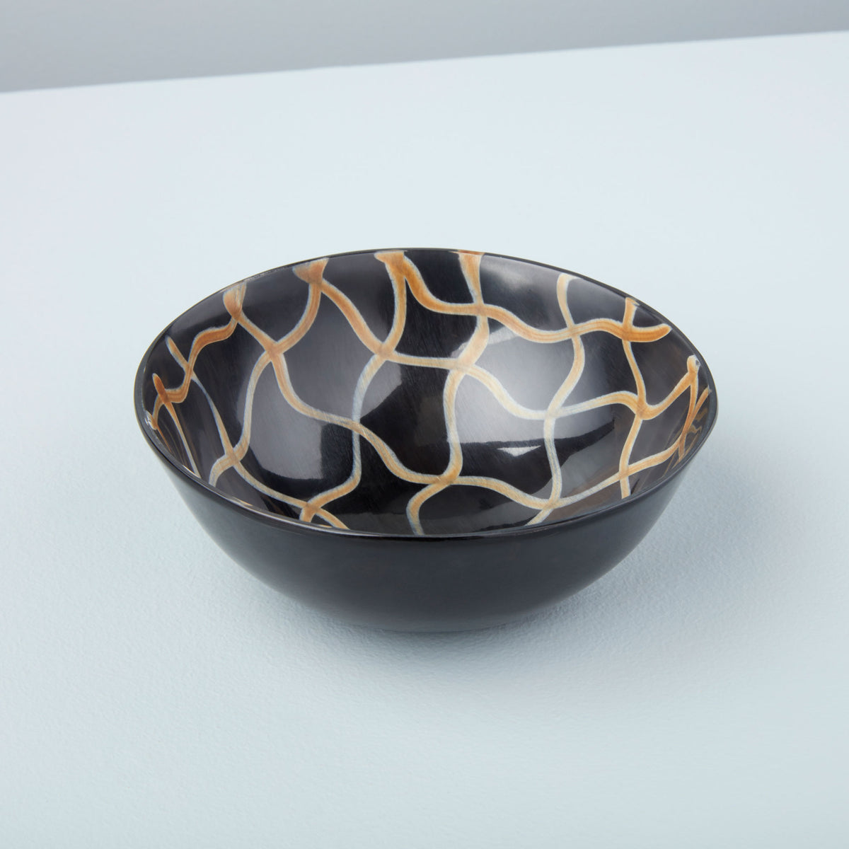 Horn Bowl Fishnet Medium