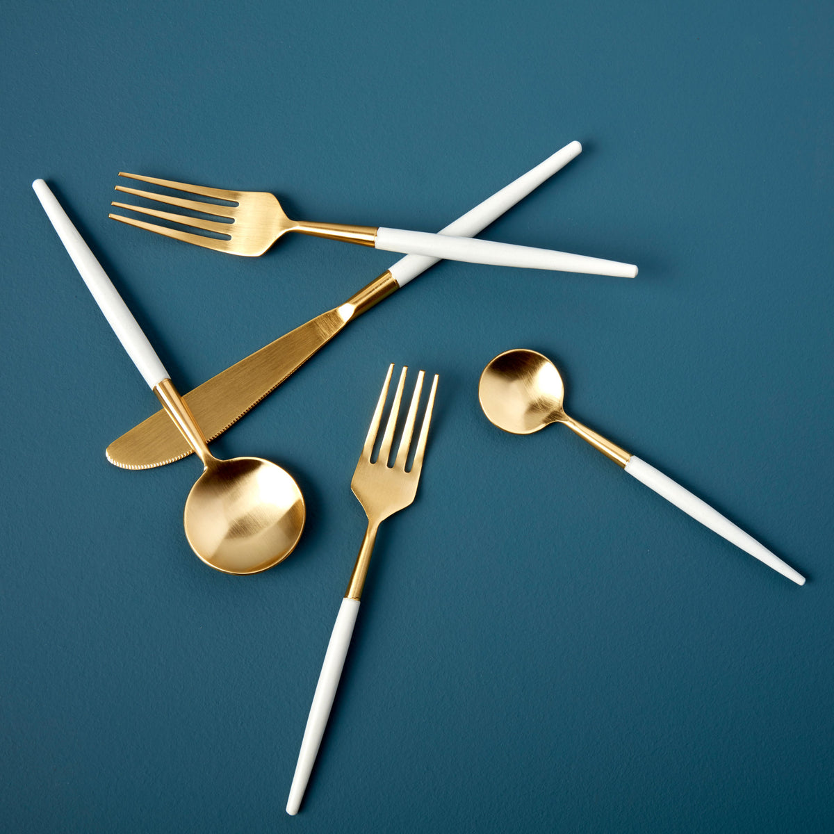 White & Gold Flatware Set