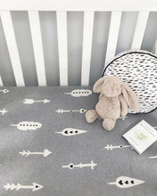 Load image into Gallery viewer, Arrow baby blanket grey