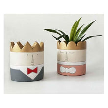 Load image into Gallery viewer, Concrete Princess Planter