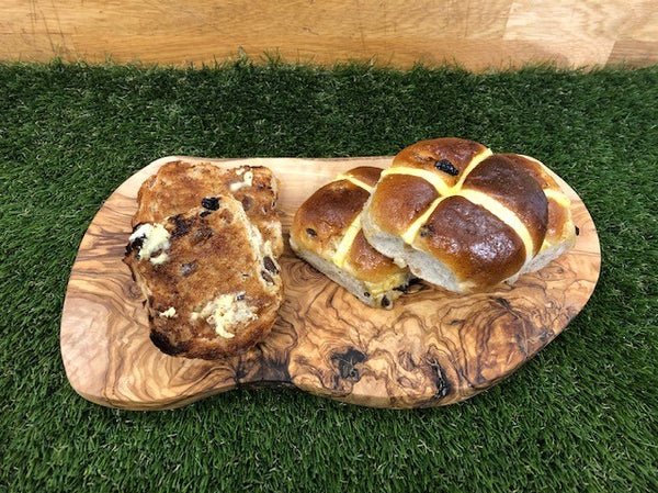 Rusbridge Bakers - 4 x Hot Cross Buns