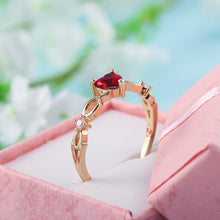 Load image into Gallery viewer, Luxury Heart Ring