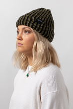 Load image into Gallery viewer, SIMPLE CHUNKY BEANIE