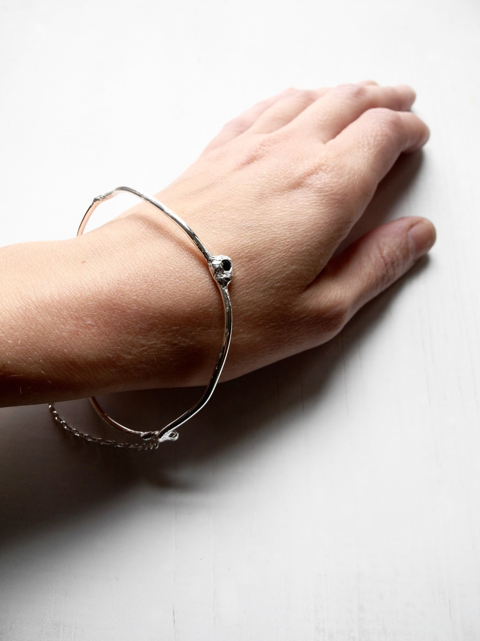 after nature bangle with stone and chain