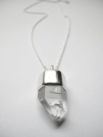 amplify necklace