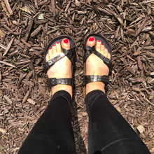 Load image into Gallery viewer, BIRKENSTOCK Mayari Gator Gleam Black