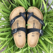 Load image into Gallery viewer, BIRKENSTOCK Mayari Black Oiled Leather