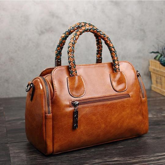 Women's Vintage High Quality Waterproof Bags Leather Solid Rivet Female Handbags - Marfuny