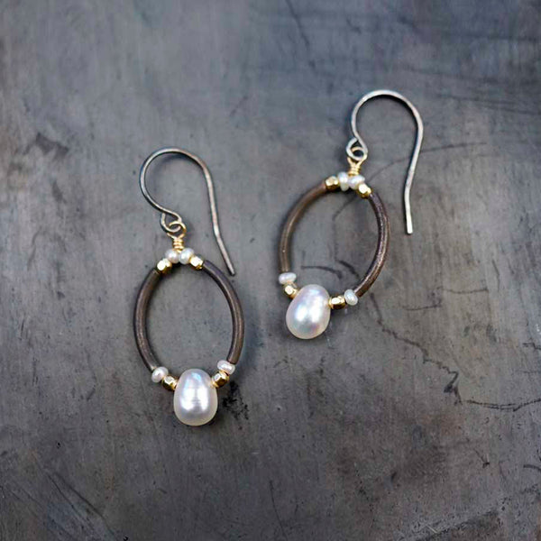 Calliope Jewelry: Earrings: Oxidized Silver Oval with Round Pearl and Gold Beads