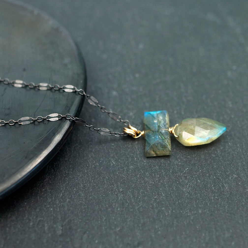 Calliope Jewelry: Necklace: Labradorite Arrowhead and Bar Pendant on a Silver Chain