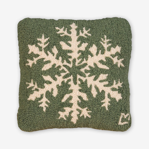 Chandler 4 Corners: Hand-Hooked Wool Pillow: 14x14 Inch Classic Snowflake on Green
