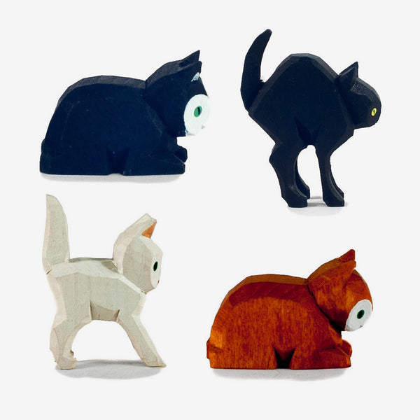 Lotte Sievers-Hahn Nativity: Cats