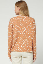 Load image into Gallery viewer, Leopard Print Scoop Neck L/S Top