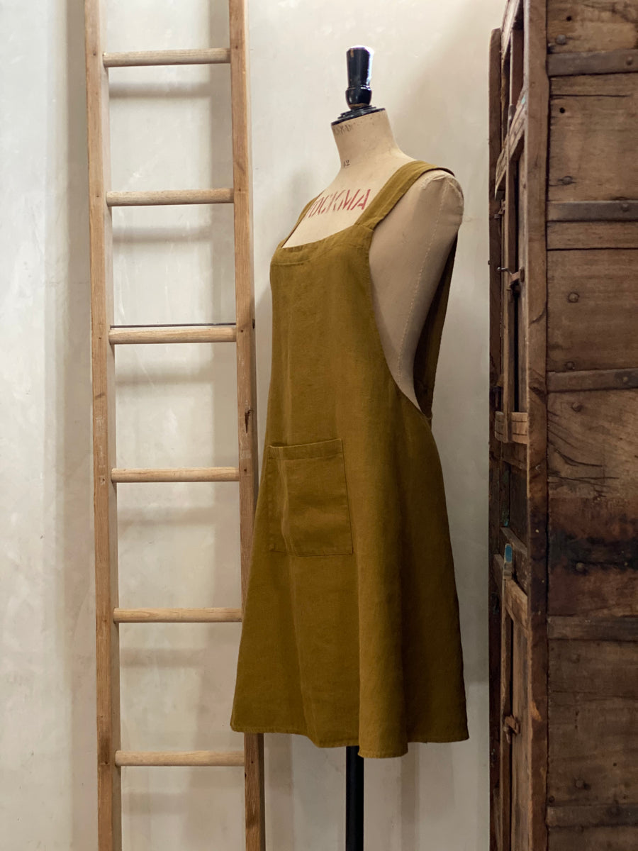 baileys linen crossover aprons
