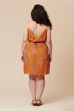Load image into Gallery viewer, DEER AND DOE PENSEE DRESS PATTERN