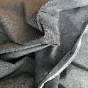 YARN DYED LINEN VISCOSE BLEND IN BLACK REMNANT 137CM X 85CM