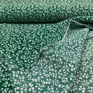 CLOVER GREEN VISCOSE CREPE WITH FLOWER VINES REMNANT 89CM x 137CM